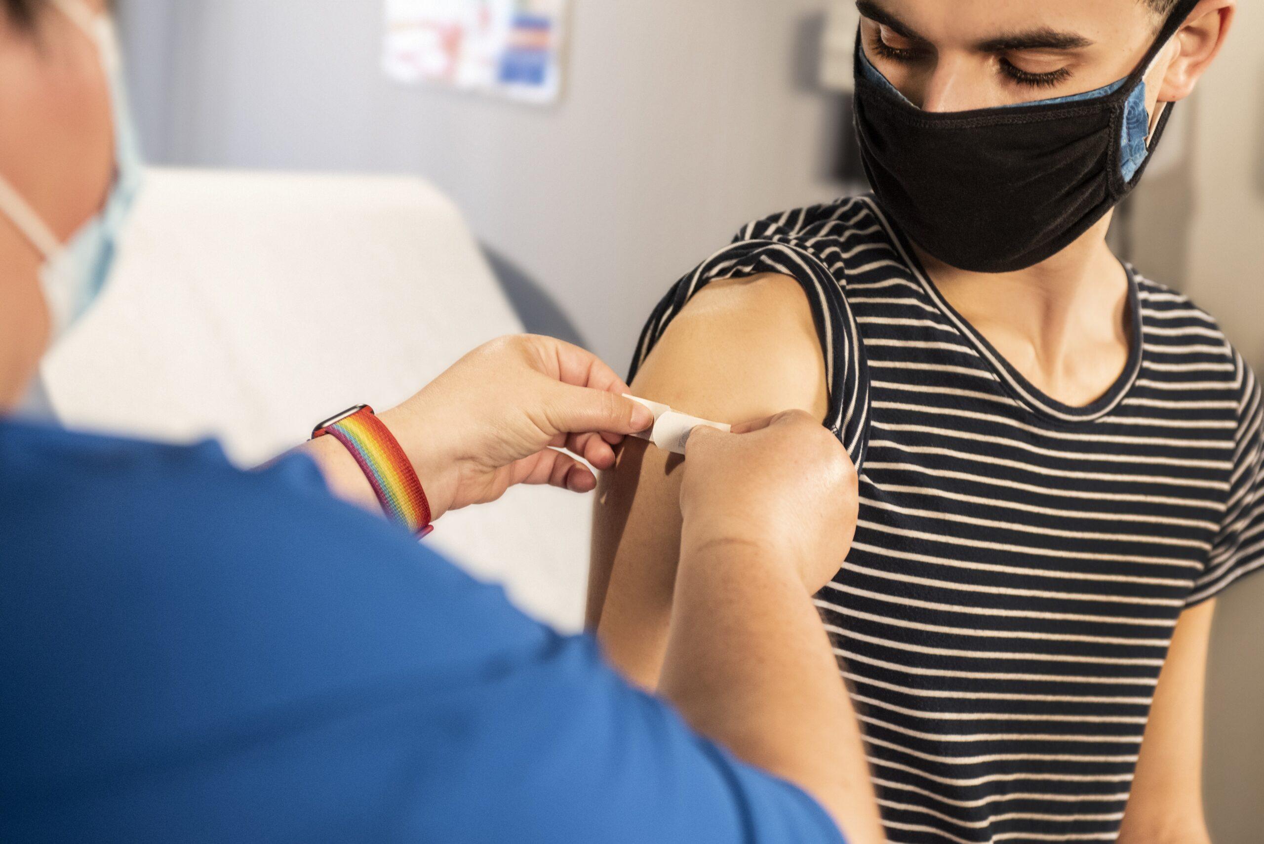 szczepienia przeciw COVID-19 dla niepełnoletnich