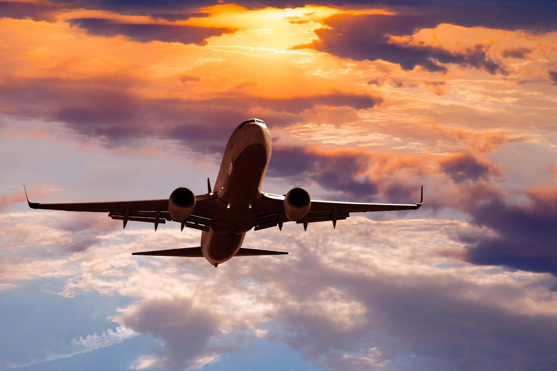 Katowice: Awaryjne lądowanie samolotu.