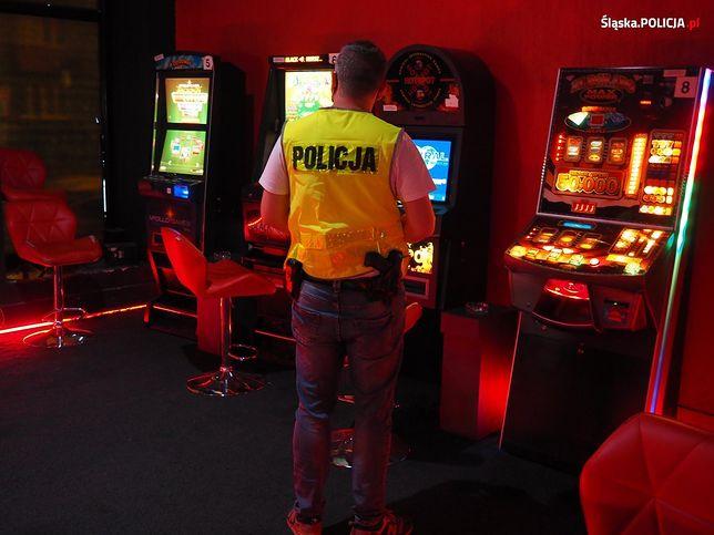 Katowice: Rozbicie nielegalnych grup hazardowych.