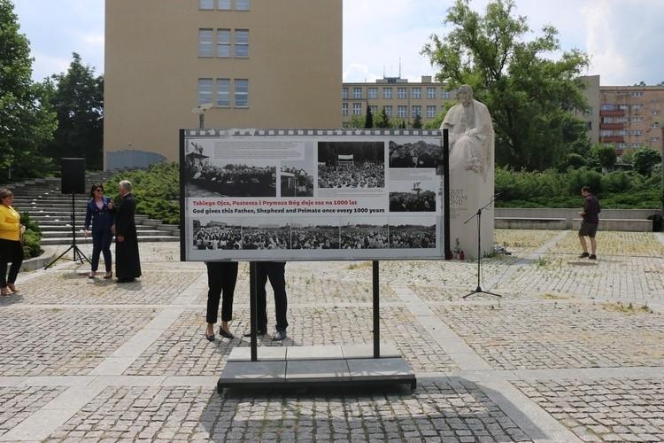 W Katowicach otwarto wystawę zdjęć poświęconych kard. S. Wyszyńskiego