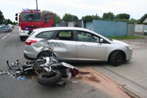 Stłuczka motocyklu i samochodu osobowego